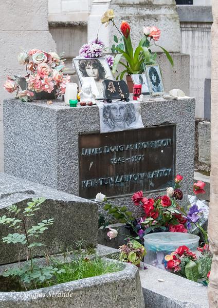 Pere Lachaise cemetary: Jim Morrison