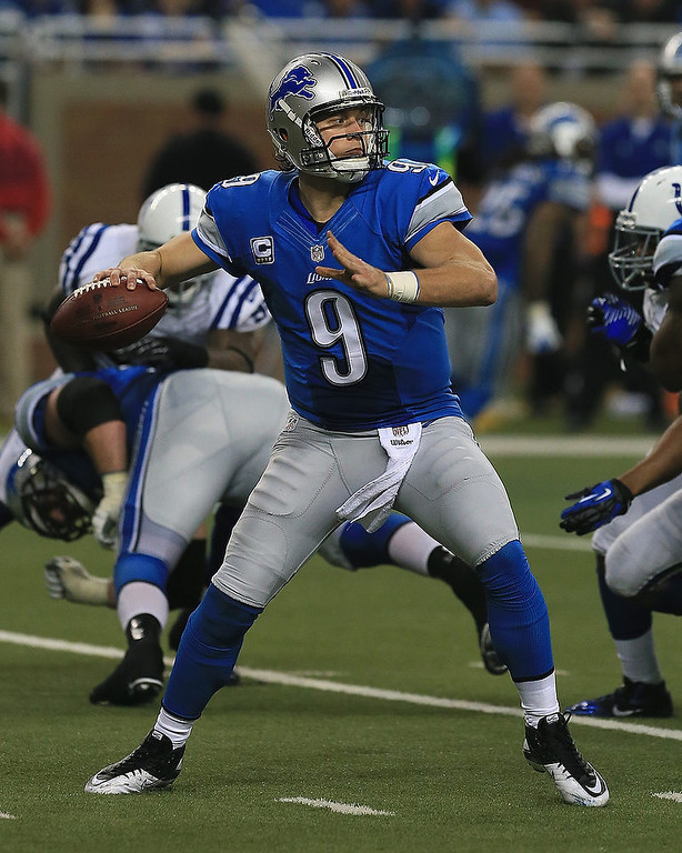 . Matthew Stafford #25 of the Detroit Lions looks to pass the ball against the Indianapolis Colts at Ford Field on December 2, 2012 in Detroit, Michigan. The Colts won 35-33 (Photo by Dave Reginek/Getty Images)