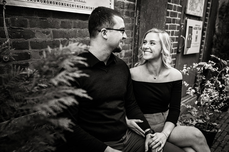 MICHELLE AND NICK - OLD CITY ENGAGEMENT SESSION - 17.jpg