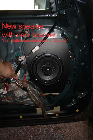 1997 Toyota Avalon XLS (Factory 6 Speaker System Without Subwoofer) front Door Speaker Installation - USA