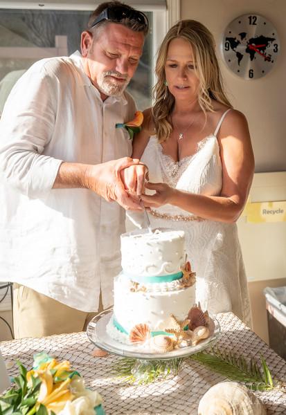 7-CAKE CUTTING-12 copy.jpg