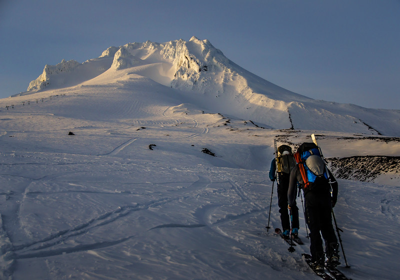 mount-hood-skiing-backcountry-climbing-pnw-oregon-adventure.jpg