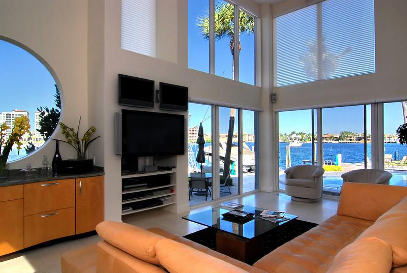 Living Room2_2.jpg