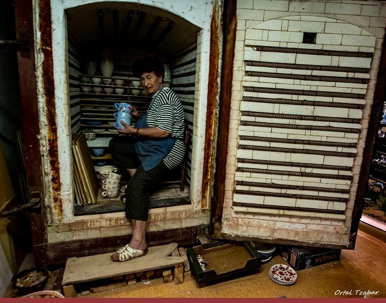 אשה בתנור.jpg