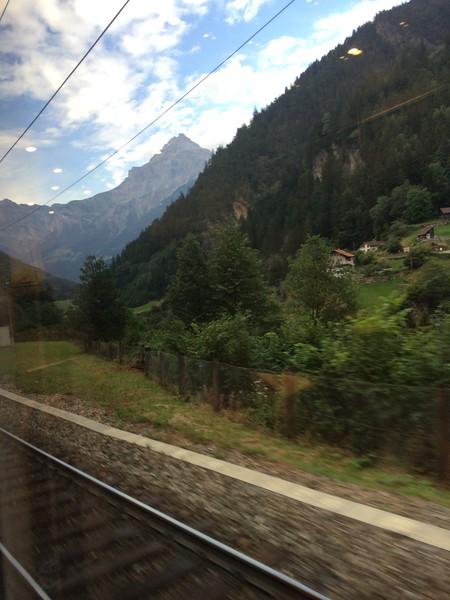 351_iPhone_Switzerland.jpg