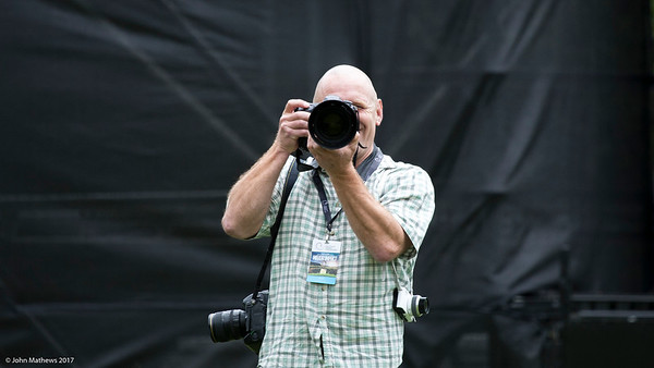 Photographer Dave Lintott in action on the  final day of the Asia-Pacific Amateur Championship tournament 2017 held at Royal Wellington Golf Club, in Heretaunga, Upper Hutt, New Zealand from 26 - 29 October 2017. Copyright John Mathews 2017.   www.megasportmedia.co.nz