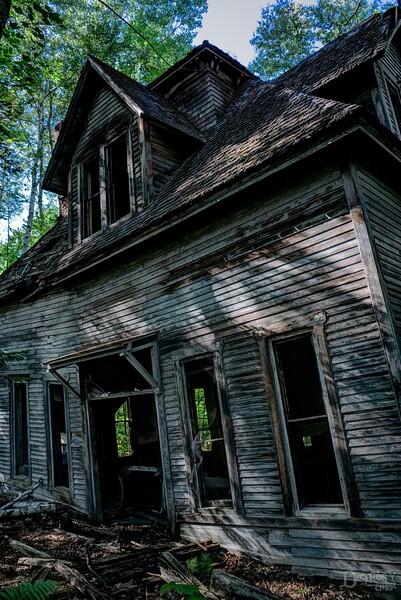 crooked house 2 v1.jpg