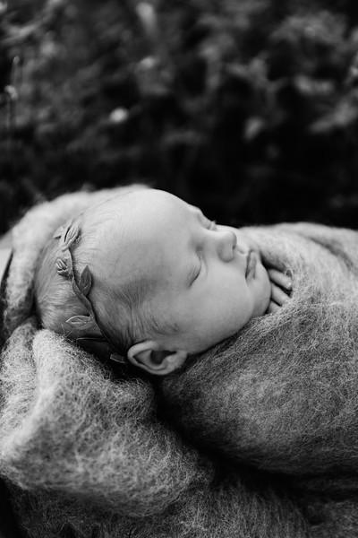 Autumn-Newborn-Low-Resolution370A0242-Edit-2.jpg