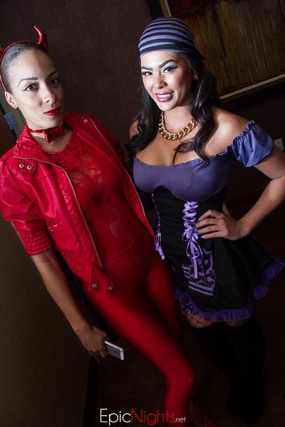 103013 Halloween Suite Party-6627.jpg