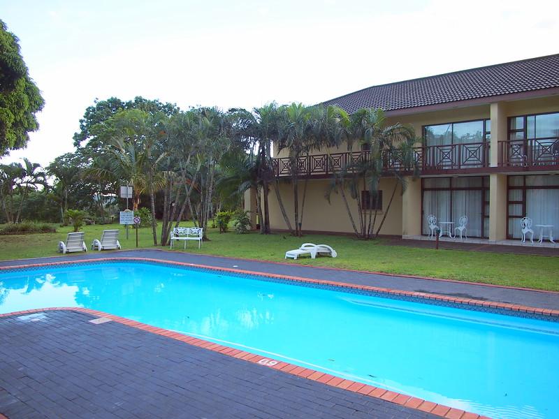 P5046184-hotel-pool.JPG