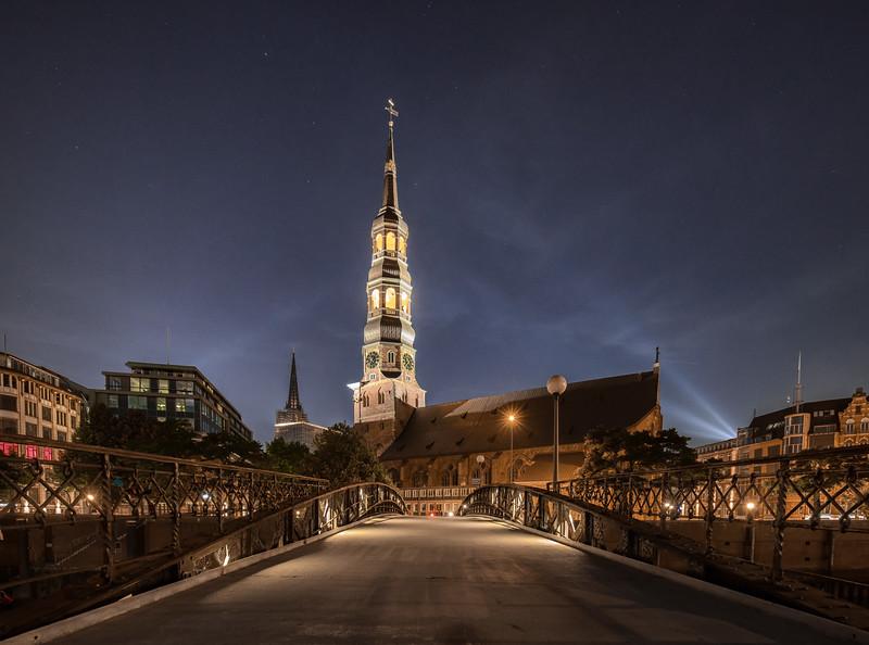 Hamburg Zollkanal sein Katharinenkirche bei Nacht