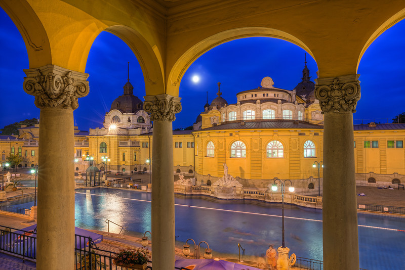 Capturing the Moon From all the places I visited when I was last time in Budapest, this is the last one of which I haven't uploaded any photos yet. The Széchenyi thermal bath looks great, but the combination of yellow lights with yellow buildings gives me a headache when I'm editing the final HDR. It's just never exactly as I would like it :) Actually this is the forth edit of this photos. The first three I did in the last month I deleted afterwards. But I try not to give up on photos I like and go back to them after a while, and try again.