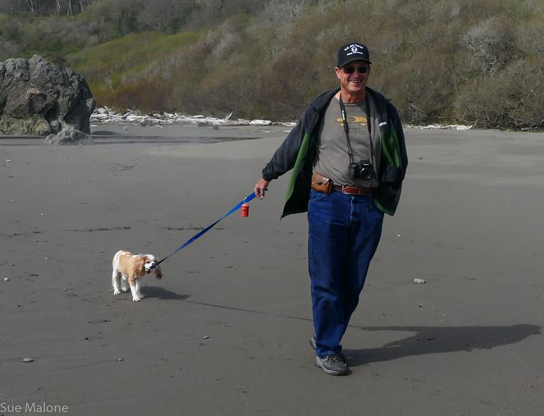 Walking on Harris Beach (21 of 24).jpg