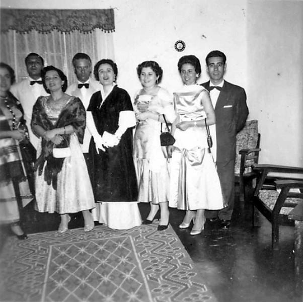 Dundo _57/58 ou 58/59 Lurdes Costa, Franklin e Natalia Loureiro,casal Ramos, Alice Teixeira, casal Oliveira