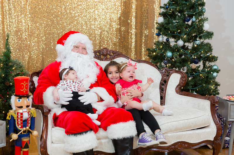 FADS Picture with Santa-320.jpg