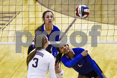 lindale-outlasts-whitehouse-in-fiveset-thriller-to-win-district-volleyball-title