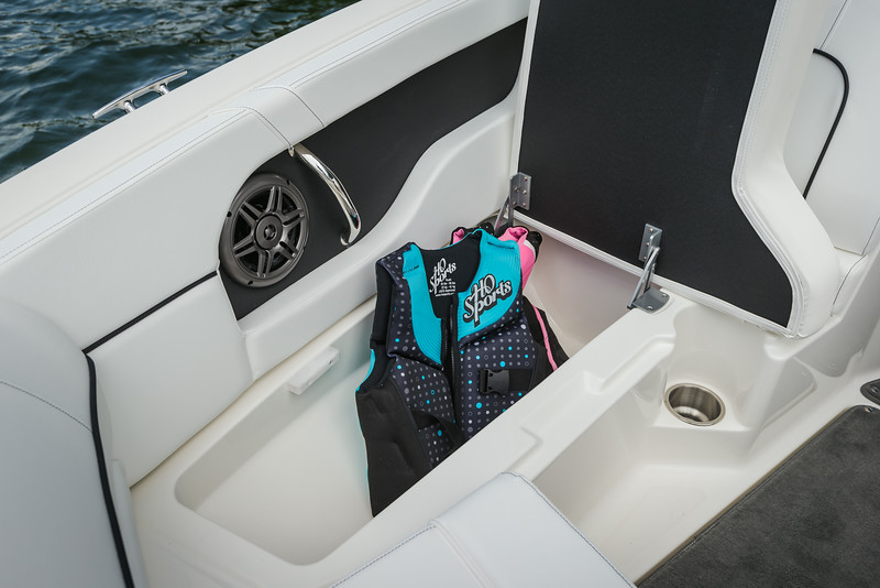 2015-SeaRay-220SD-1149.jpg