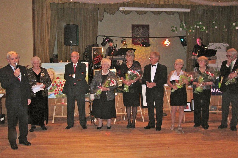 Honouring the founding members of the foundation on the 20th anniversary.