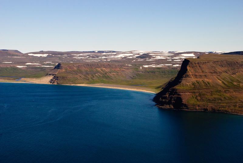 Miðvík í Aðalvík. Þar voru tveir bæir, Efri og Neðri Miðvík
