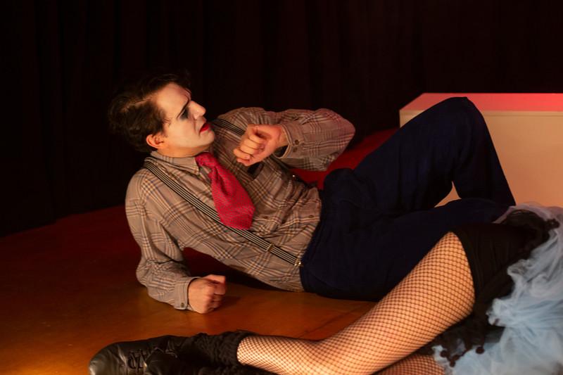 Allan Bravos - essenCIA Teatro - Persona 07-215.jpg