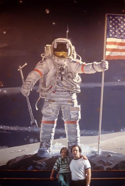 1977-05 Air & Space Museum John & Bonnie.jpg
