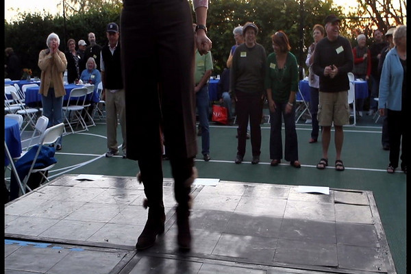 Line dancing, second level (video)