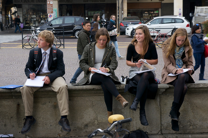 Aidan, Catherine, Cecelia, and Lucia doing their sketches of the Gattamelata in Padua, Italy