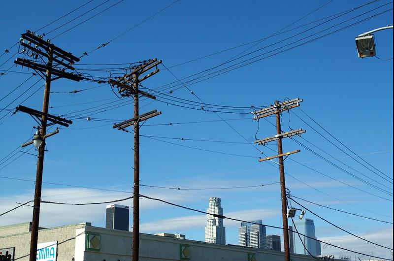 CityMarket020-TelephoneWiresAndDowntown-2006-10-02.jpg