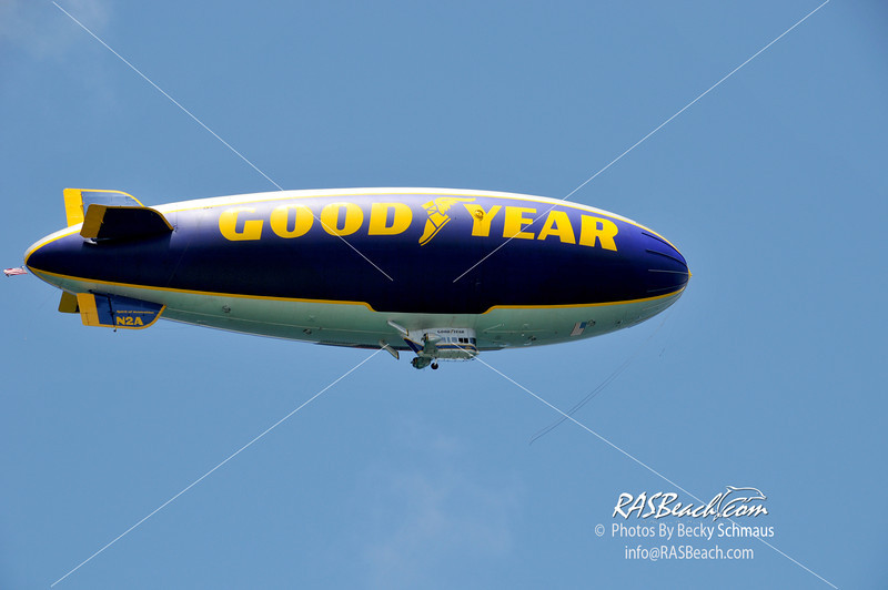 2012-05-26_GoodYearBlimp-4.jpg