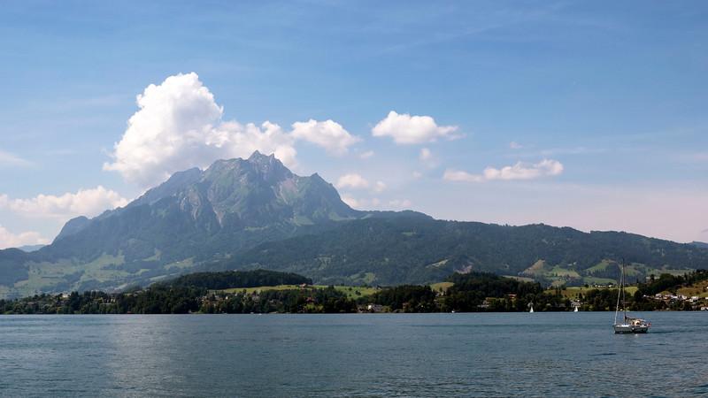 Switzerland-Boat-to-Lucerne13.jpg