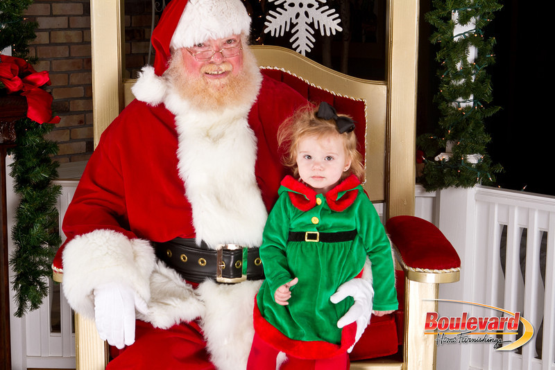 Santa Dec 8-319.jpg