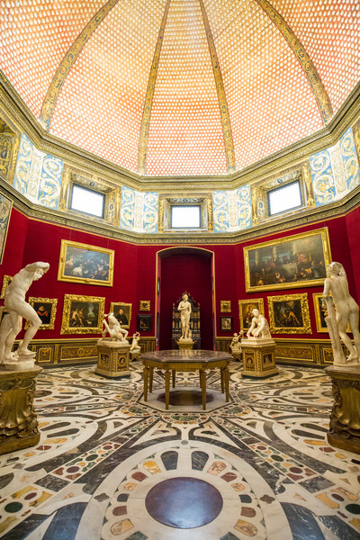 The Tribuna of the Uffizi - a beautiful room inside the Uffizi Gallery, with the Venus de' Medici in the center, and The Wrestlers to the left.
