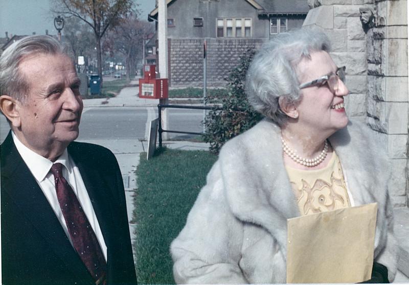 1971-10 Grandpa & Grandma Lou @ Sue & Chucks Wedding-2.jpg