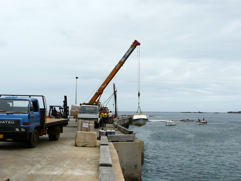Monday - Kingston Pier - uploading a fishing boat after its passengers has disembarked.