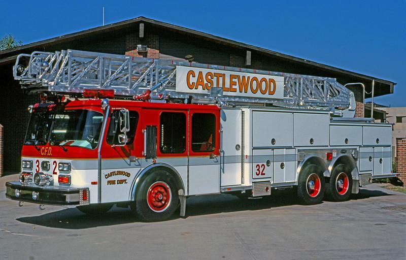 CASTLEWOOD Truck 32 1988 E-1 HURRICANE 110RM E-1-6145_ShaunRyan.JPG