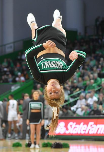 cheerleaders1650.jpg