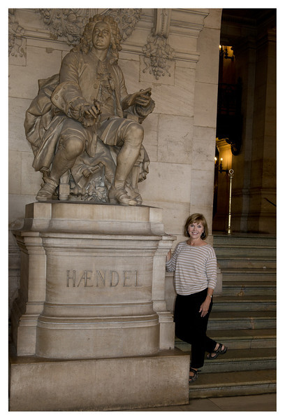 Dale took our traditional picture of me standing by George F. Handel in the lobby of the theatre.