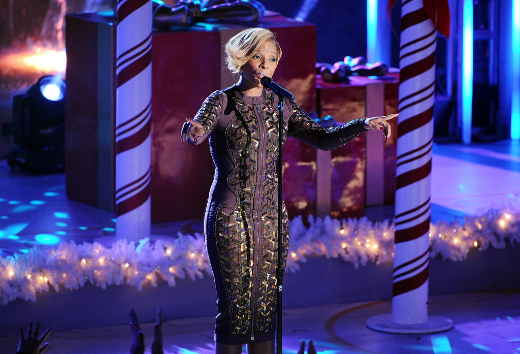 . Singer Mary J. Blige performs at the 81st annual Rockefeller Center Christmas tree lighting ceremony on Wednesday, Dec. 4, 2013 in New York. (Photo by Evan Agostini/Invision/AP)