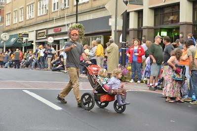 30209 - Homecoming Parade Bowdwen and Gee