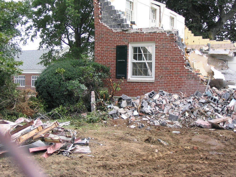 Tearing down Sheedy Hall, 2003.