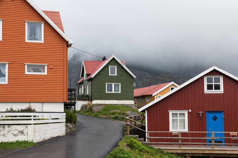 9-2-17242177lofoten Henningsvær.jpg
