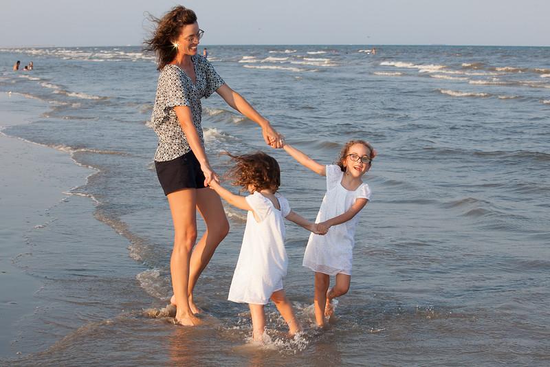 allie girls beach.jpg