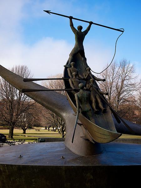 Whale hunter monument, Sandefjord. ********** Hvalfangermonumentet, Sandefjord. Av en eller annen grunn var det mye større og mektigere første gang jeg så det som 8-åring i 1970. (Foto: Geir)