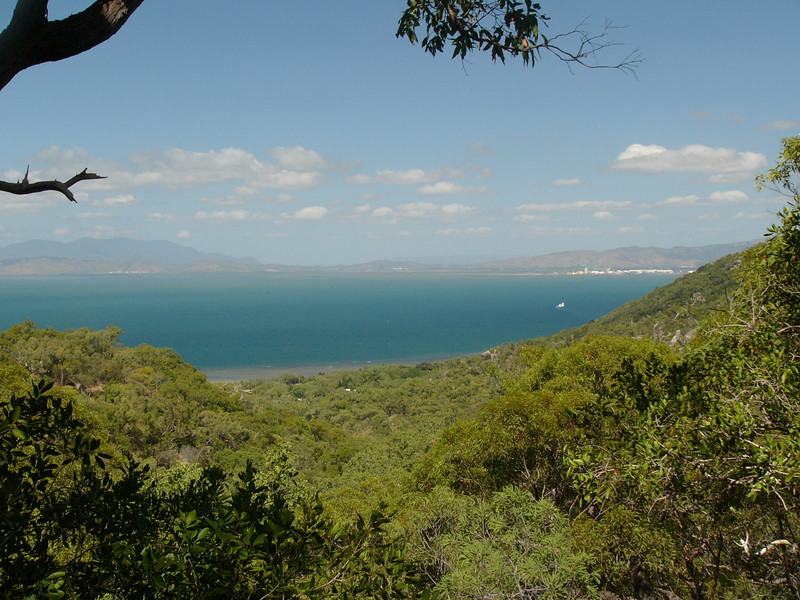 20070525_2754 Nelly Bay to Arcadia trail, closer to the Arcadia end. Looking out over Geoffrey Bay (I think)