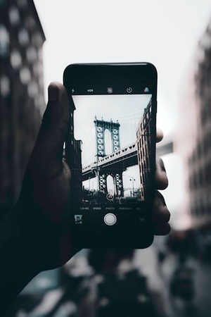 Cell Phones Boost Digital Photography's Image