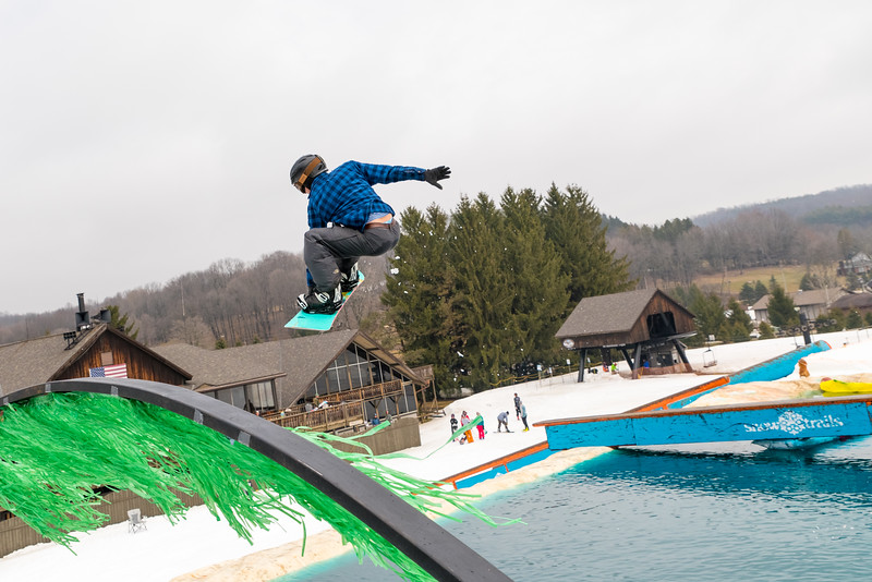 Pool-Party-Jam-2015_Snow-Trails-850.jpg