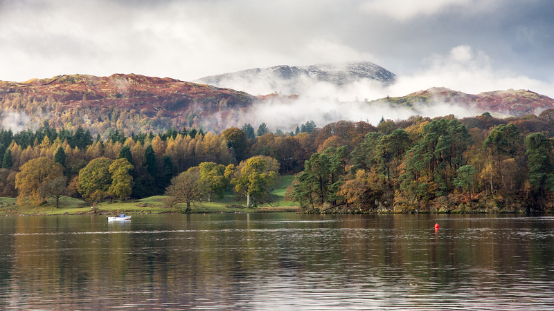 Autumn mist on #LakeDistrict mountains
