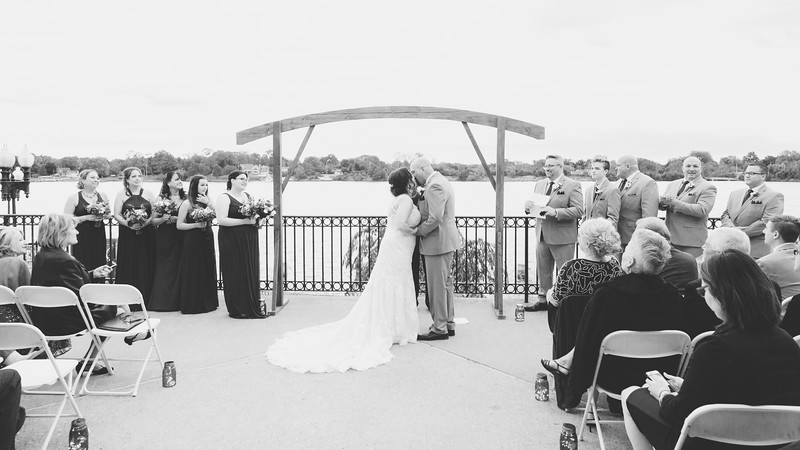 chateau-on-the-river-trenton-michigan-wedding-0305.jpg