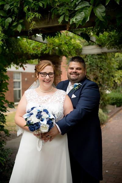 Mr and Mrs Lee-197.jpg