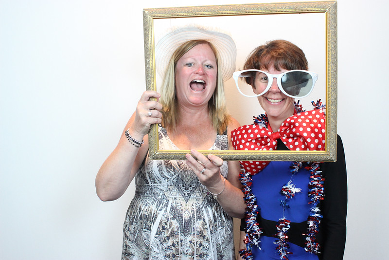 Cover Wedding Photo Booth
